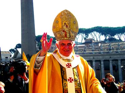 Påven har twittrat för första gången