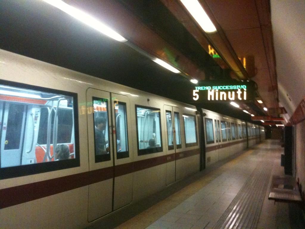 Ta sig fram i Rom: Tunnelbana (Linea A)