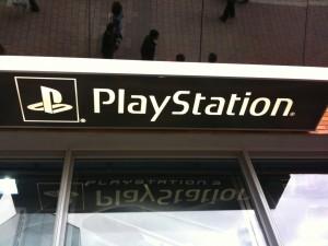 Shoppa i Rom: Valmontone outlet- Playstation-affär